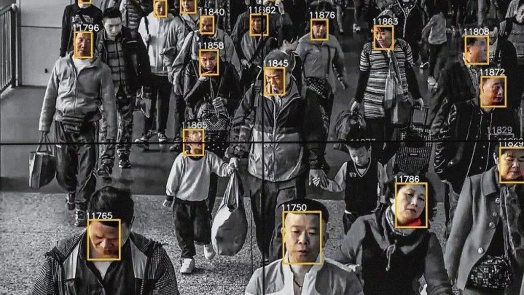 Chiny - elektroniczny system kontroli obywatela